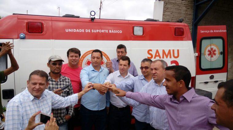 SAMU dá início à entrega de novas ambulâncias